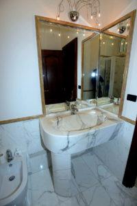 Realizzazione a massello di accesori bagno